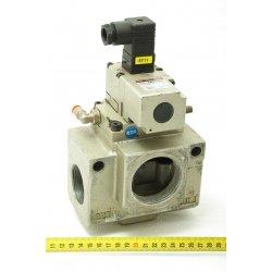 Nº 1568. Válvula de control de paso neumática SMC.
