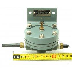 Nº1576. Válvula de control de presión Moore products