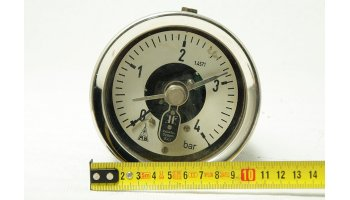 Nº 1622. Manómetro de presión en bares con contacto de alarma.