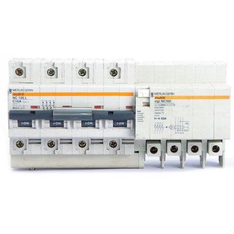 Interruptor Automático Merlin Gerin Ns100n De 4 Polos Regulable 63/80a Con Bobina De Disparo