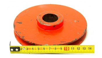 Nº1503. Polea de hierro 130 mm hueco de eje 28 mm