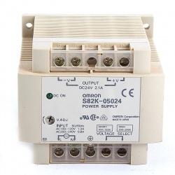 Nº4192. Fuente de alimentación OMRON entrada monofásica 110/220Vac Salida 24Vdc