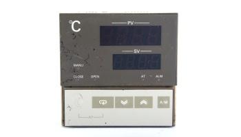 Controlador de temperatura OMRON E5AX-PRR