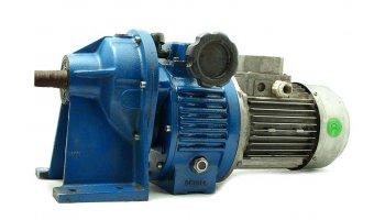 Motor reductor trifásico 380V con variador vueltas mecánico patas 0,37 kw 40-200 rpm