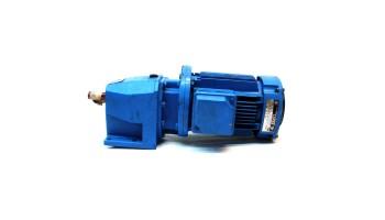 Motorreductor trifásico 380V CUÑAT 0,18 Kw con reductor coaxial CUÑAT 67,5 RPM finales