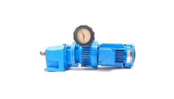 Motorreductor coaxial trifásico 380V con variador de vueltas mecánico 0,18 Kw 26-144 RPM finales
