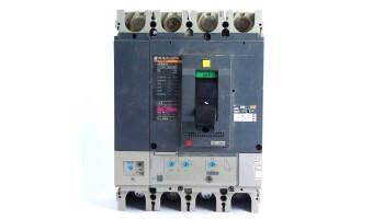 Automático Seccionador de corte de 4 Polos Merlin Gerin Regulable 160/400 con bobina de disparo