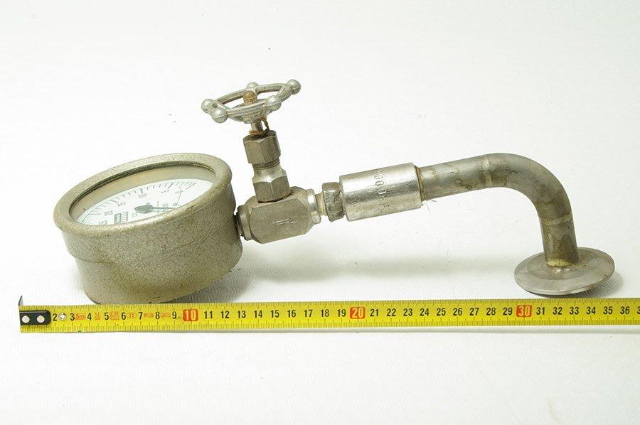Nº 1615. Manómetro de presión en MBAR con llave de paso.